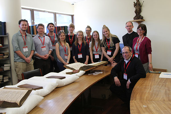 Students visit monastic library