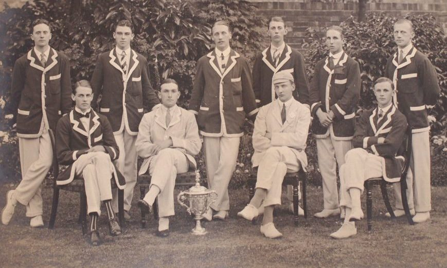 Old photo of boys in uniform for Henley Royal Regatta