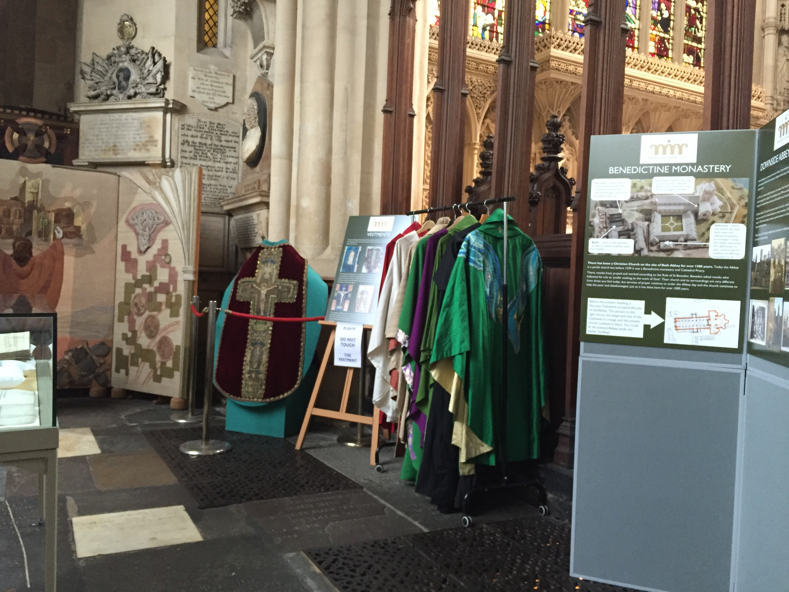 Benedictine Bath religious gowns and information